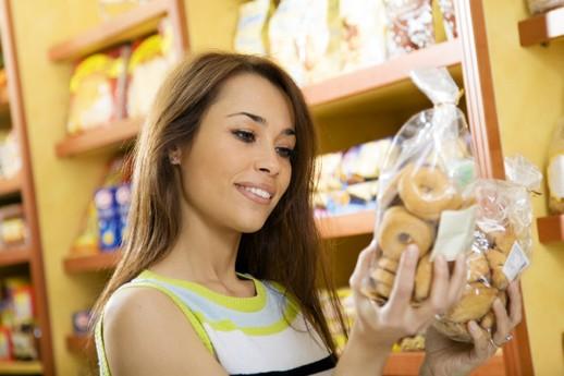 chica-supermercado